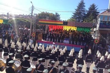 Comienza la Parada Militar en Sucre con la presencia de las máximas autoridades del país
