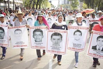 Padres de 43 desaparecidos en México anuncian huelga