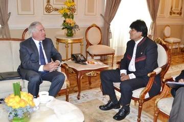 Bolivia mejorará relaciones con EEUU pero aún sin embajadores