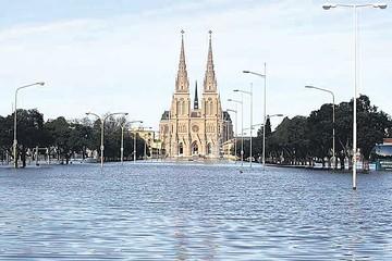 Miles de evacuados deja temporal en Buenos Aires