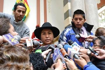 Ministra Paco dice que Chile juega a generar inestabilidad interna en Bolivia
