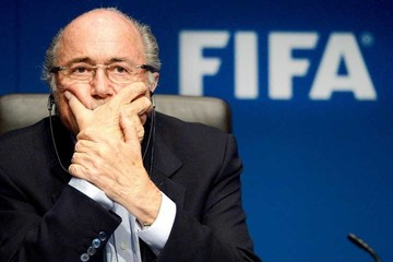 Blatter acusa a Michel Platini