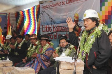 Morales pide disculpas por reírse del pliego potosino