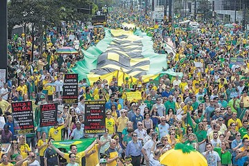 Masiva protesta en Brasil pide renuncia de Dilma Rousseff