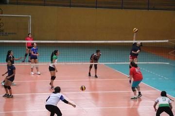 Arranca el torneo juvenil de voley en Sucre