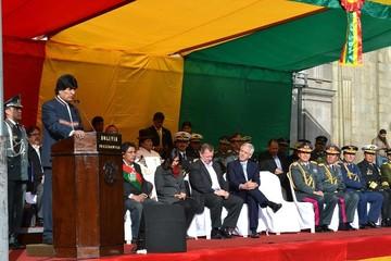 Morales insta a trabajar en conjunto por Bolivia en el Día de la Bandera