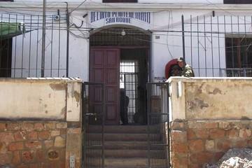 Internos del penal de San Roque de Sucre exigen Bs 15 de prediario