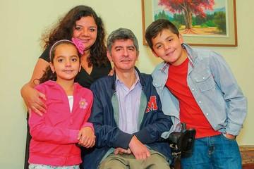Coqui, su familia y la esclerosis