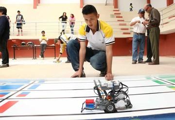 Culmina Olimpiada Robótica después de dura competencia