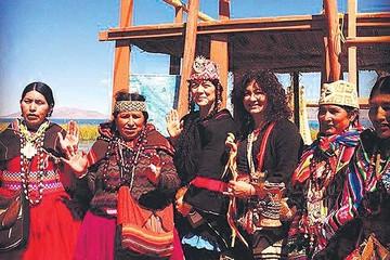 Lila Downs visitó el Titicaca antes de su show