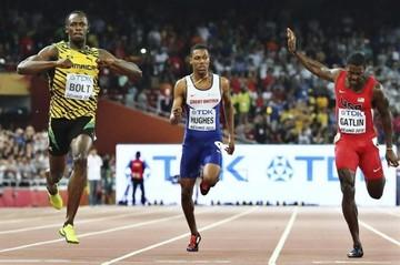 Un Bolt inhumano convierte a Gatlin en un atleta vulgar