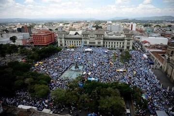 Guatemala: Crece pedido de renuncia de presidente