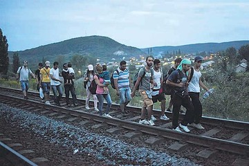 Austria y Alemania permitirán ingreso a cientos de refugiados