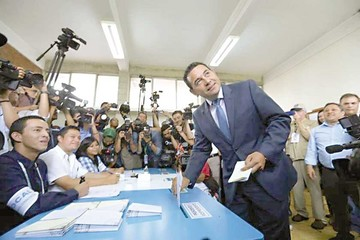 Morales toma ventaja en las presidenciales de Guatemala