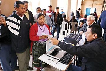 Guatemala: Jimmy Morales espera a su rival para el balotaje