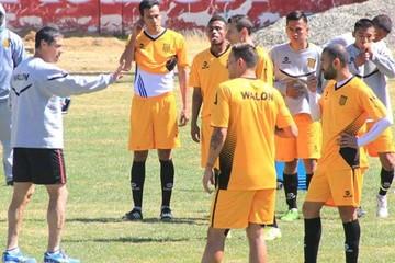 Con equipo listo, Nacional espera  a The Strongest