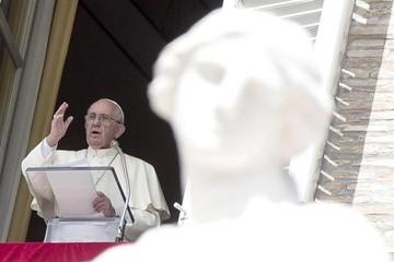 """El Papa introduce el """"proceso breve"""" y """"gratuito"""" para la nulidad matrimonial"""