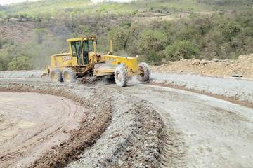 ABC pavimentará el camino a Incahuasi