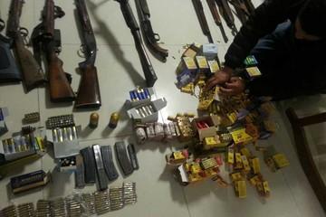 Hallan armamento y droga en operativos en Santa Cruz