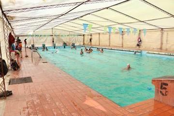 En Sucre nadan contra corriente