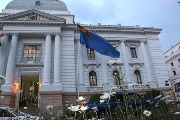 Bolivianos esperan en vigilia el fallo de la CIJ