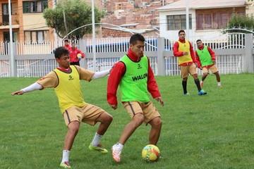 """La """"U"""" se traslada a La Paz con un equipo diezmado"""