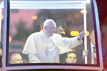 El Papa respalda a inmigrantes en su despedida de EEUU