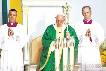 Papa dice que responsables de abusos rendirán cuentas