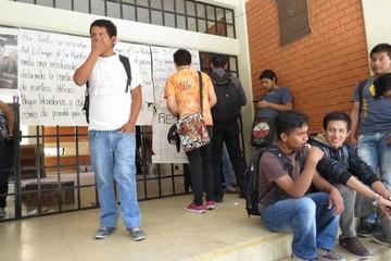 Dos conflictos ponen en alerta a la Universidad