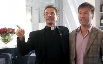 Sacerdote se declara gay y el Vaticano lo expulsa
