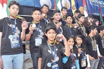 Élite estudiantil compite en la Olimpiada Científica