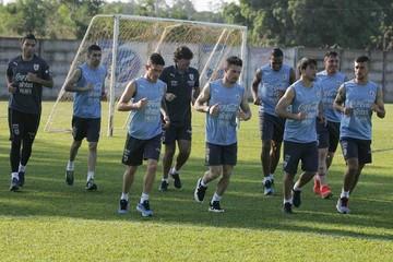 Uruguay entrena en Bolivia