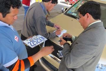 Retiran placas a vehículos registrados fuera de Sucre