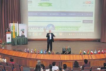 Congreso internacional trae nuevas visiones educativas