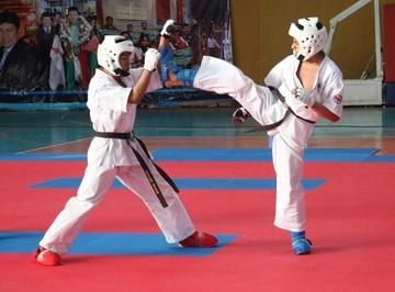 Bolivia se impone en Sudamericano de karate