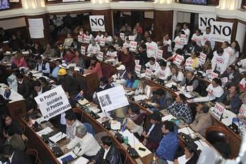 La Asamblea decide hoy si van los ajustes del TSE