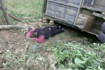 Dos maestras fallecen tras vuelco de bus en el Chaco