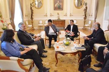 Chile refuerza equipo asesor y Evo pide psiquiatra para Muñoz