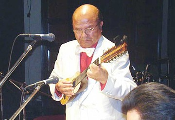 Campos, el maestro del charango, dará concierto