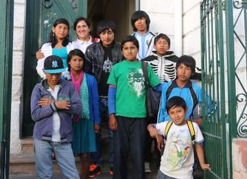 Niños de Poroma visitan Correo del Sur