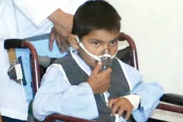 Gestionan cirugía para niño con cardiopatía congénita