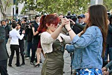 Celebran primera boda homosexual en Chile