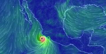 El huracán Patricia avanza con rapidez hacia la costa occidental de México