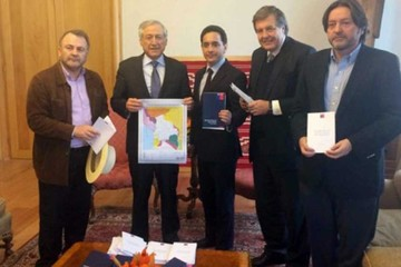 Chile usa mapa de Bolivia para activar contraofensiva
