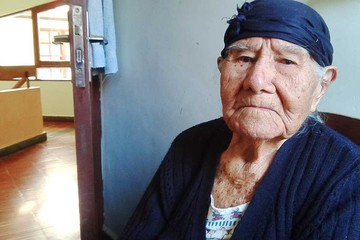 Tres abuelas centenarias guardan preciosos recuerdos en dos hogares