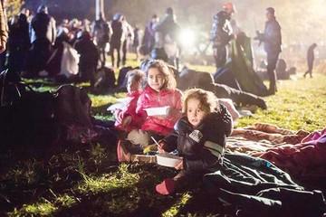 Austria decide levantar valla para frenar ola de refugiados