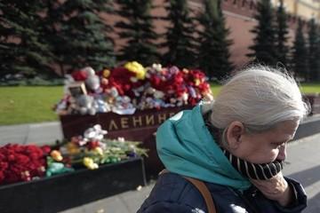 Los expertos inspeccionan los fragmentos del avión ruso siniestrado en Egipto