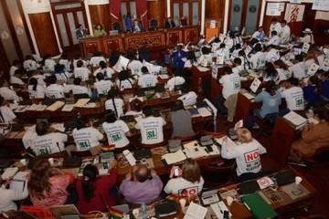 Legislativo convoca para este miércoles a sesión para debatir proyecto de ley de convocatoria a referéndum