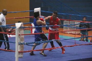 Sucre sube a lo más alto del boxeo nacional