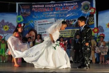 Unidad educativa incentiva el reciclado y la creatividad